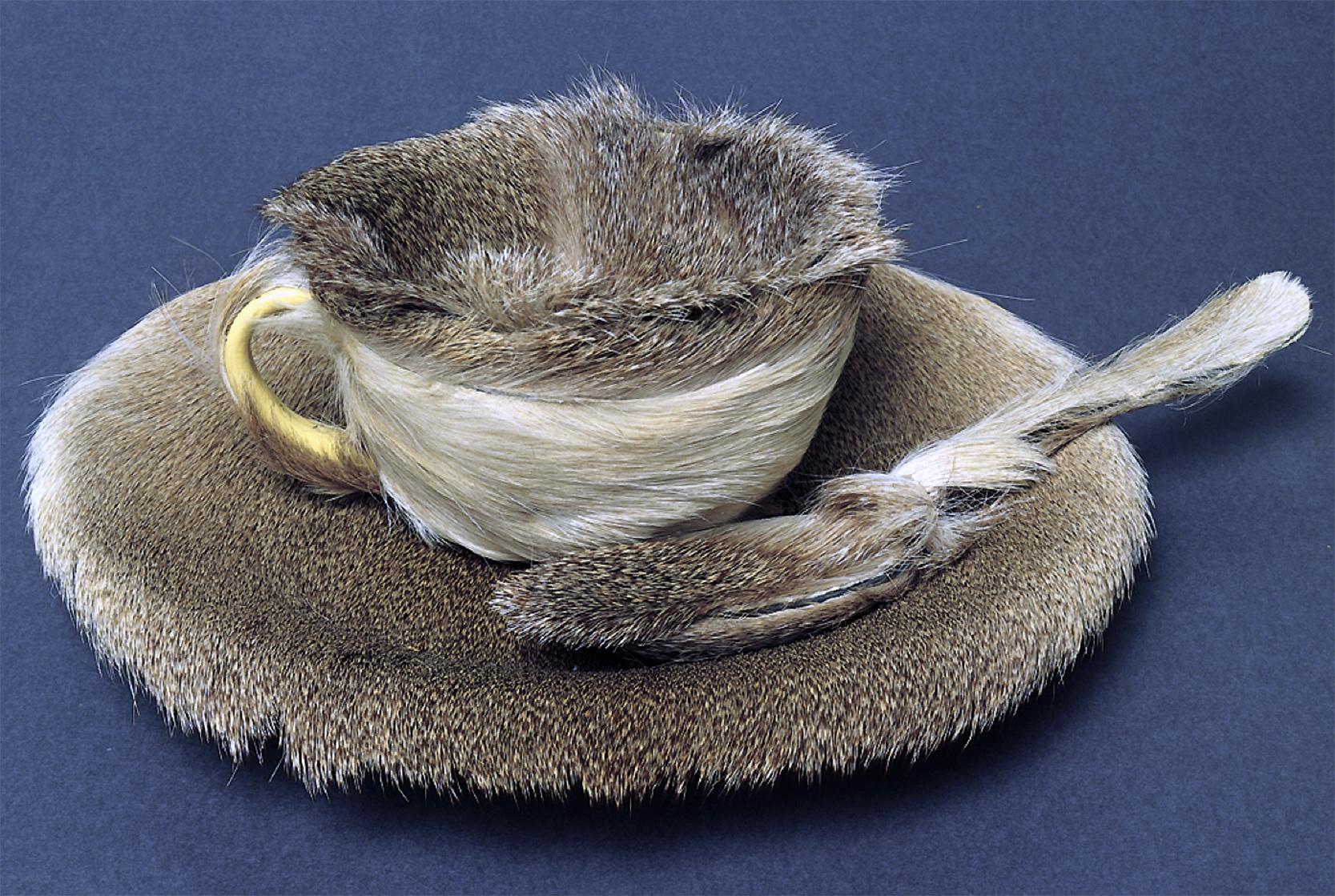 Meret Oppenheim: Obiekt (filiżanka, spodek i łyżeczka